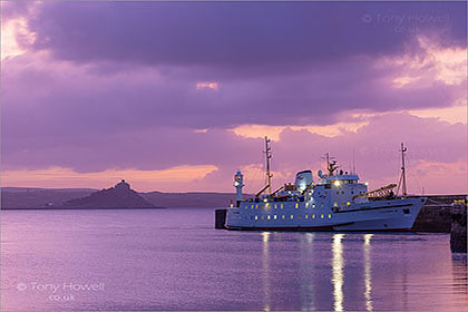 Scillonian-Ferry-St-Michaels-Mount-Dawn-Cornwall