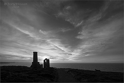 Wheal-Coates-Tin-Mine-Sunrise-Cornwall