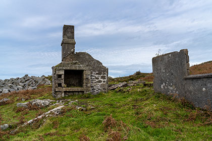 Abandoned-Farm-Buildings-Carbilly-Tor-Cornwall