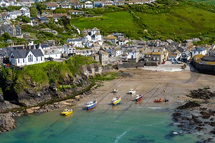 Port-Isaac-Harbour-Cornwall