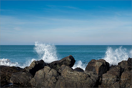 Wave-Splash-Porthmeor-Beach-St-Ives-Cornwall