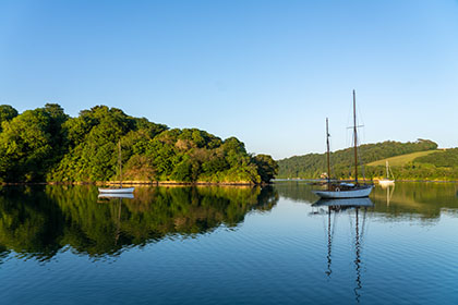 Roundwood-Quay-Boat-Cornwall
