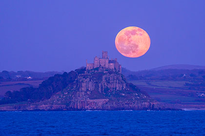 St-Michaels-Moonrise-Cornwall