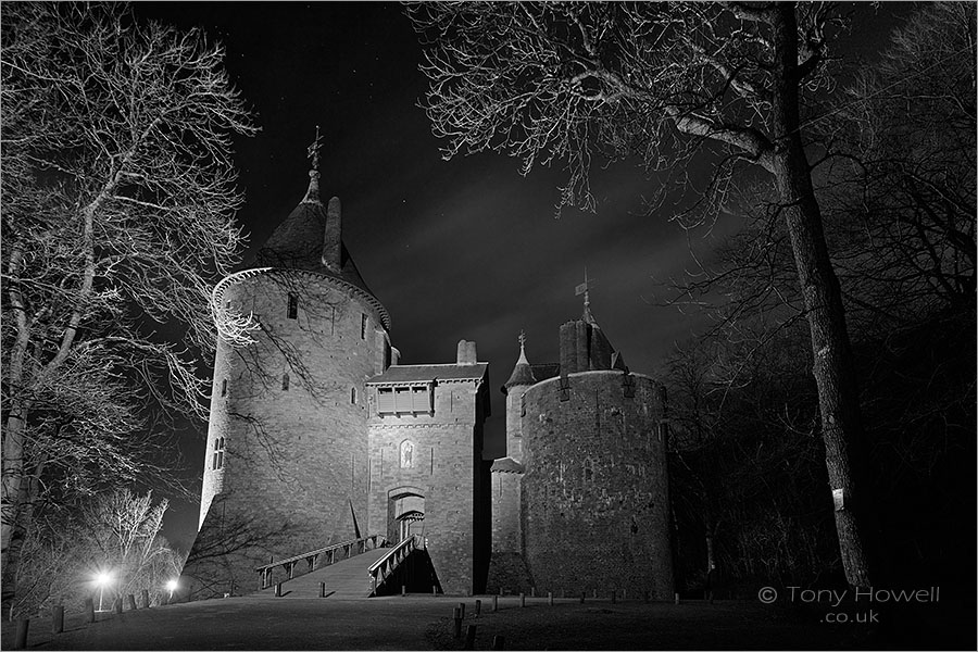 Castell Coch, Night