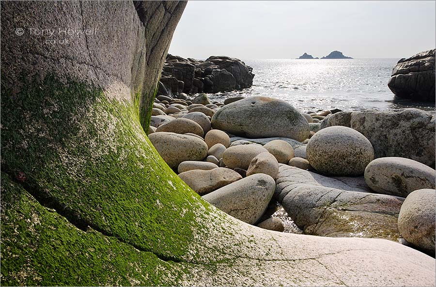 The Brisons, Curved Granite, Porth Nanven